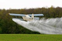 Хімобробка полів від шкідників літаком Ан-2